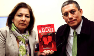 Isabel Miranda Torres and Martín Moreno  promoting the so-called Wallace kidnapping.  Photo:  Universal